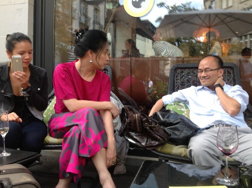 Một giáo sư Việt nổi tiếng khác, đang say mê tìm hiểu cuộc sống ở Zurich.